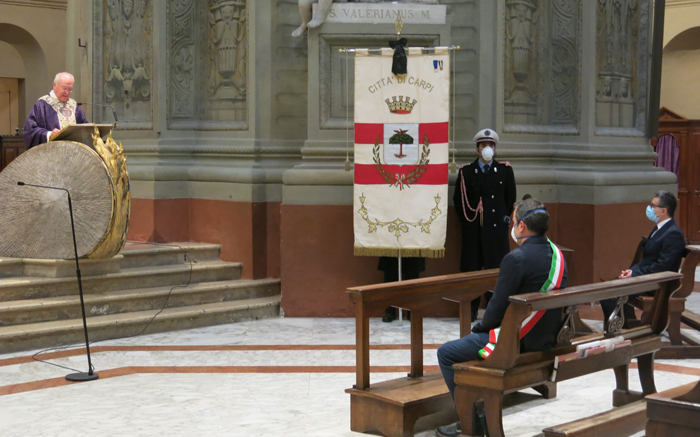 Mons. Manicardi celebra la Messa in suffragio dei carpigiani defunti