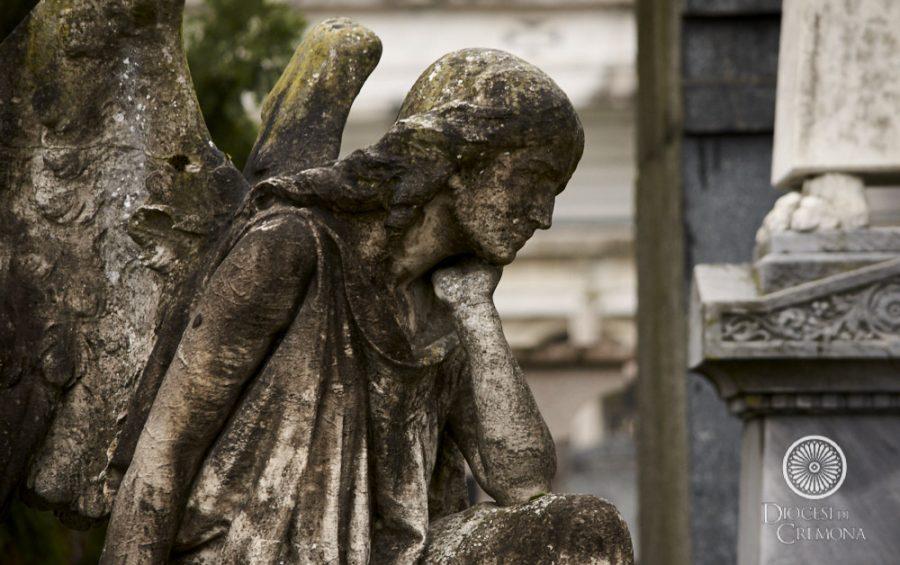 Venerdì della misericordia: preghiera per tutti i defunti