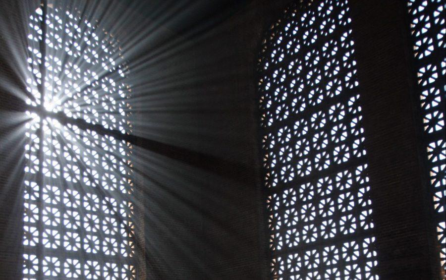 APARECIDA - BRASILE 14-05-2007 SANTUARIO DELLA MADONNA DI APARECIDA FEDELI IN PREGHIERA CHIESA LATINO AMERICANA