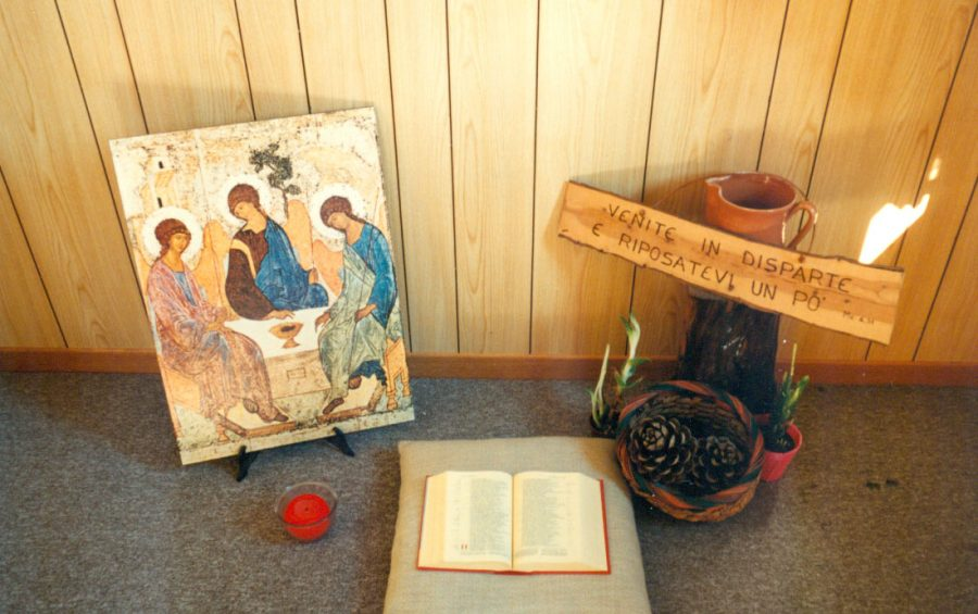 """Tivoli e Palestrina. Mons. Parmeggiani lancia l'iniziativa """"In ogni casa un angolo per la preghiera"""""""