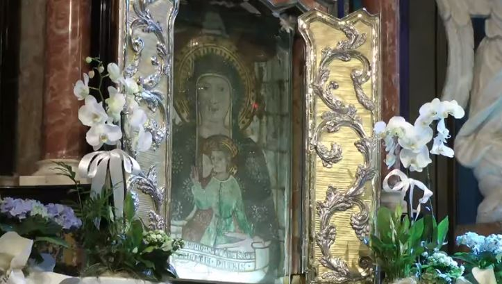 Novara. La preghiera alla Madonna di Re
