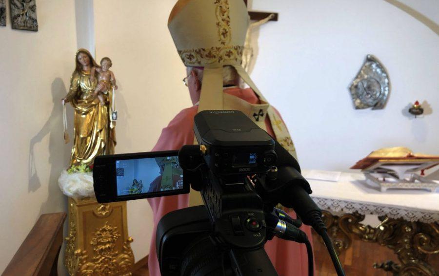 Settimana Santa: celebrazioni del Vescovo in streaming senza concorso di popolo