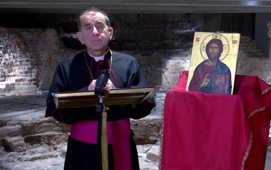 Un messaggio di comunione con il clero