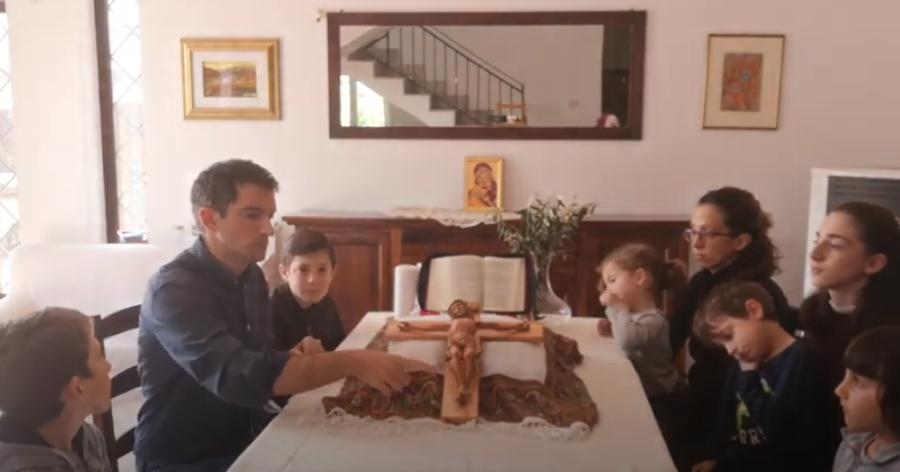 #IoCelebroACasa. Il Venerdì Santo con i bambini nella lingua dei segni