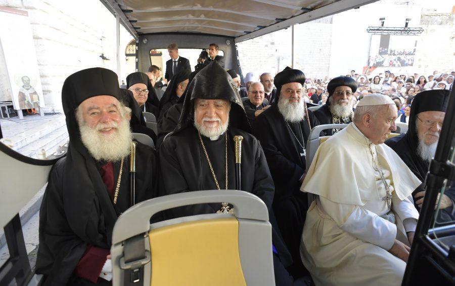 Bari, 7 luglio 2018. Papa Francesco incontra i Patriarchi delle Chiese Orientali per una preghiera Ecumenica.