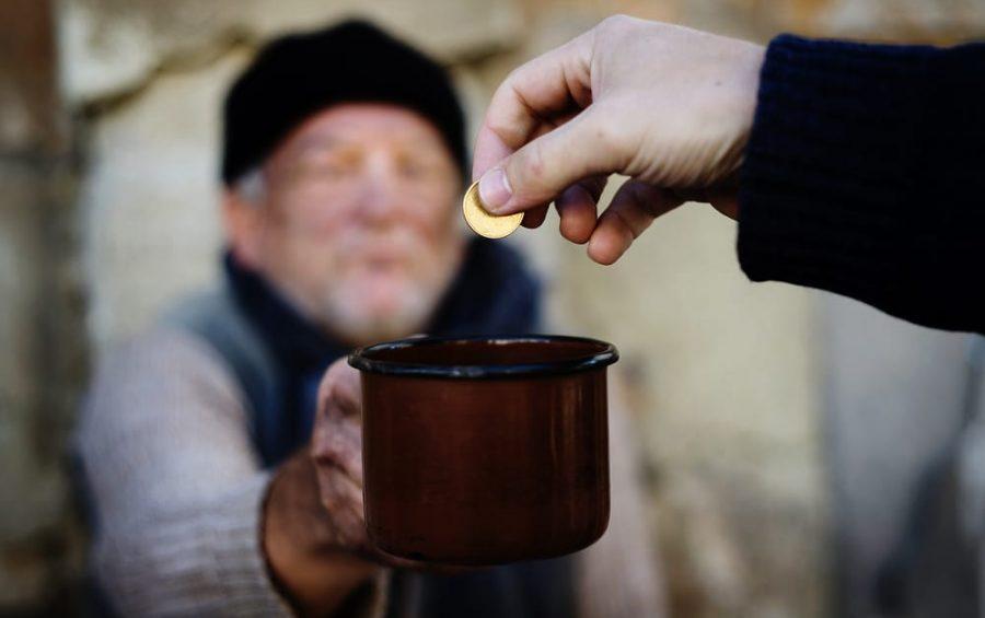 Caritas: terribile e ingiusto punire la generosità