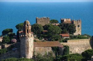 11 maggio, mons. Cetoloni benedice Castiglione della Pescaia con le reliquie di san Gugliemo