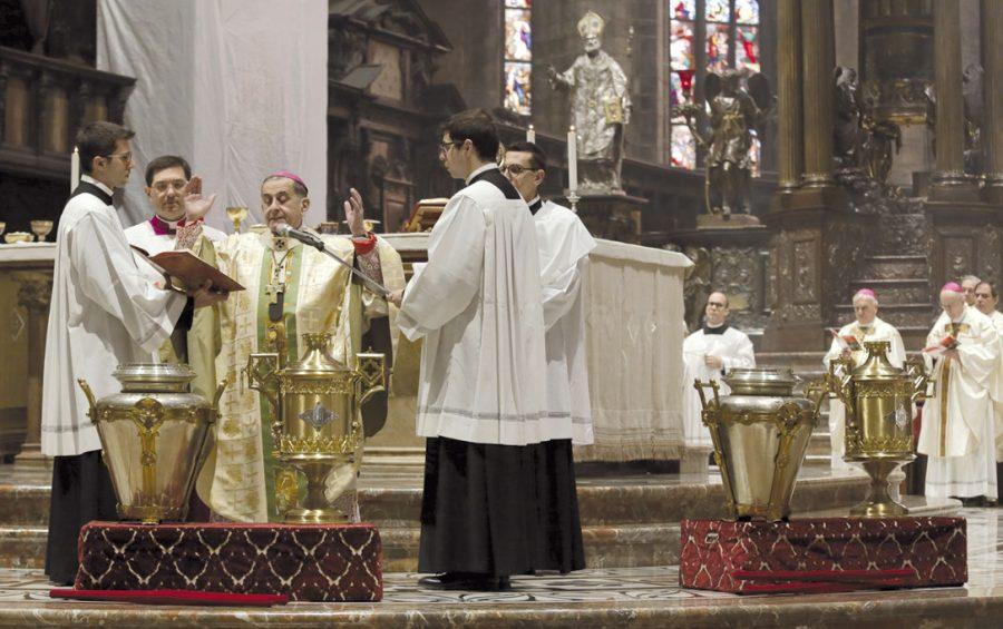Mons. Delpini insieme ai preti per la Messa Crismale: un forte segno di ripartenza