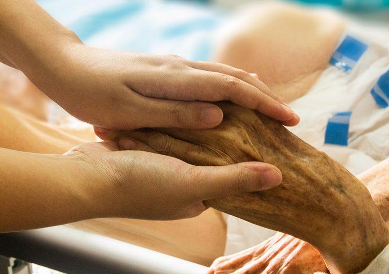 Salvare gli anziani ancora in vita