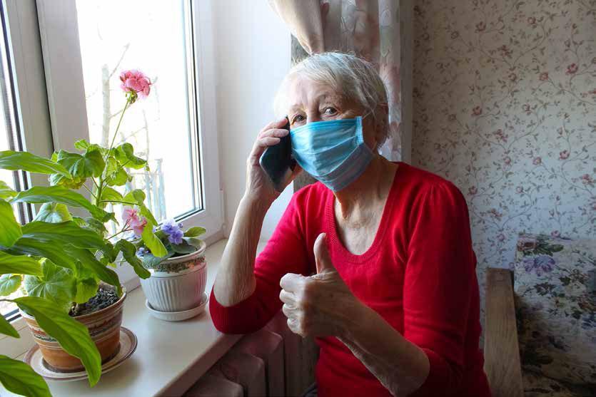 Anziani, ascolto telefonico contro l'isolamento