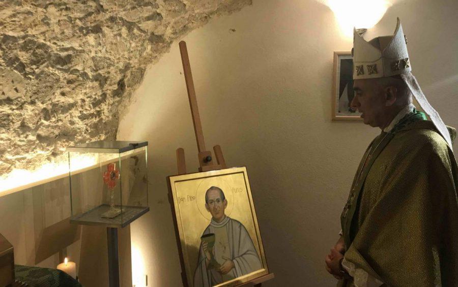 """Mons. Staglianò celebra la Messa alla """"Casa don Puglisi"""" di Modica: """"questa è casa dell'amore"""""""