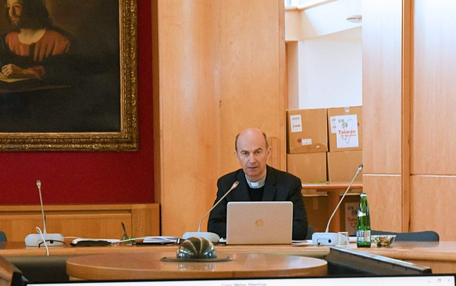 Roma, 16 aprile 2020: mons. Stefano Russo al Consiglio permanente Cei in diretta internet a causa del Corona Virus Covid19 - foto SIR/Marco Calvarese