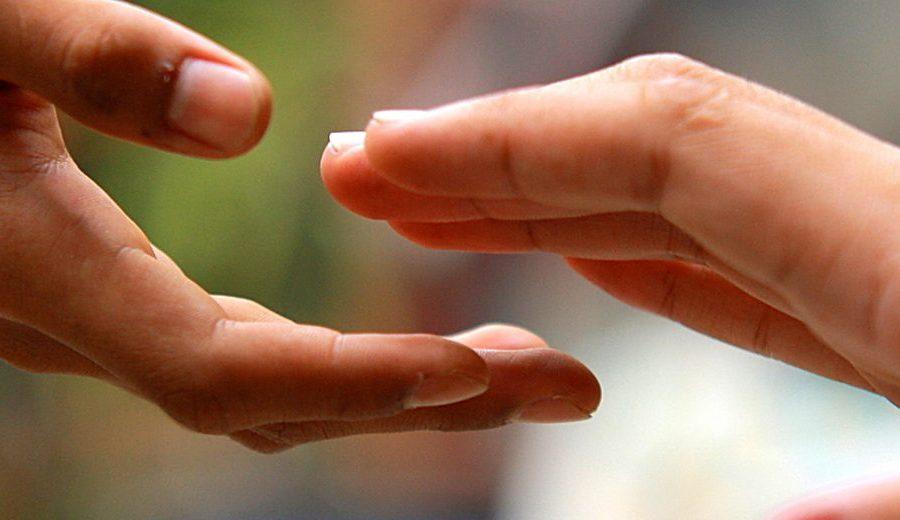 """""""Tendi la tua mano al povero"""""""
